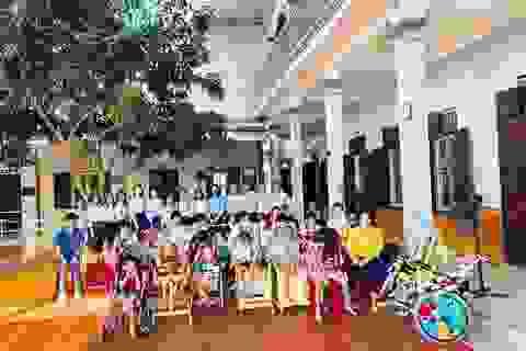 """Eximbank tổ chức """"Đêm hội trăng trằm"""" cho trẻ em nghèo khuyết tật tại nhà tình thương Hương La, Bắc Ninh"""
