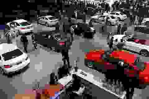 """Dự báo cạnh tranh """"khốc liệt"""" trong giới buôn xe ô tô vào cuối năm"""