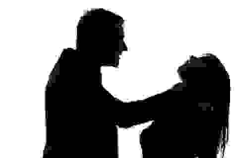 """Rùng mình khi nghe bạn trai dọa... """"giết cả nhà"""" nếu chia tay"""