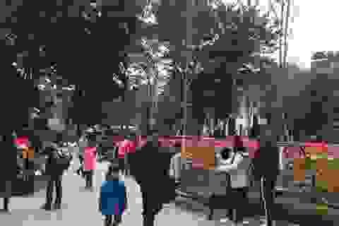 Hà Nội: Khu vui chơi đông đúc ngày nghỉ Tết Dương lịch