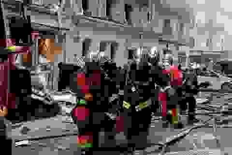 Cảnh tượng đổ nát sau vụ nổ khiến 4 người chết tại Paris