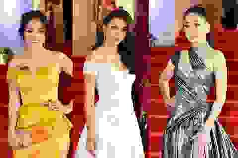 Á hậu Phương Nga diện váy khoe chân dài; hoa hậu Tiểu Vy xinh như công chúa trên thảm đỏ