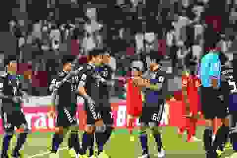Thắng Oman, Nhật Bản nhẹ nhàng vượt qua vòng bảng