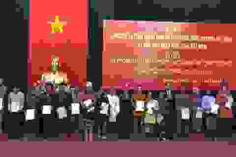 18 công dân Lào được cấp quốc tịch Việt Nam
