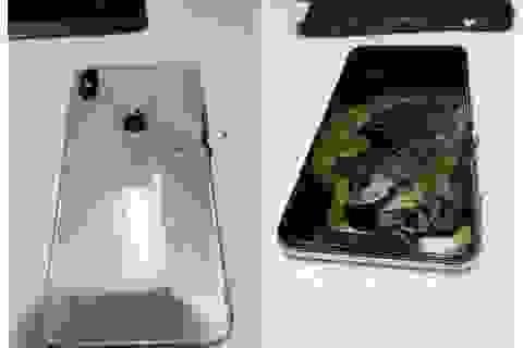 iPhone XS Max bất ngờ phát nổ trong túi người dùng sau khi mua 1 tháng