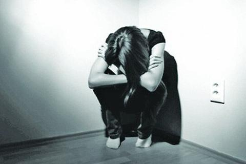 Trẻ suy sụp, trầm cảm, tự tử vì bị bắt nạt qua mạng xã hội