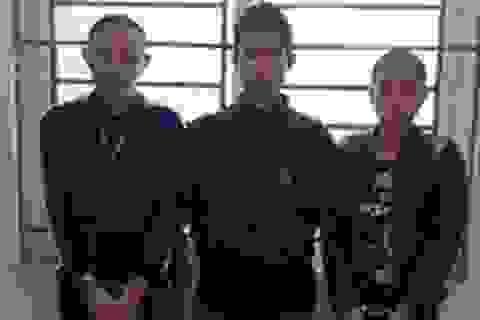 Nam thanh niên đóng thùng 7 bánh heroin rồi gửi xe khách về Hà Nội