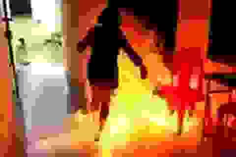"""Châm lửa đốt con """"người tình"""" chỉ vì bị đuổi ra khỏi nhà"""