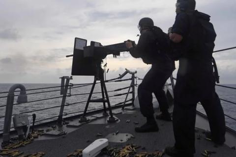 """Mỹ tung """"vũ khí"""" mới đối phó Trung Quốc"""
