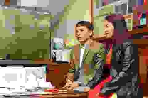 Bố mẹ Quang Hải gửi viện trợ lương thực, dặn con điều quan trọng trước thềm Asian Cup