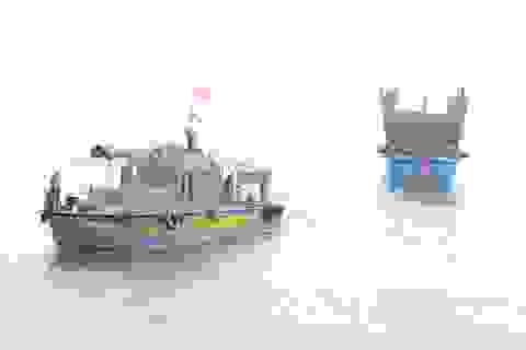 Tàu cá cùng 12 ngư dân trôi dạt trên biển gần một tuần
