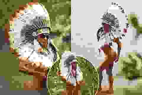 Cô gái mặc bikini lội trong rừng Amazon khiến dân mạng dậy sóng