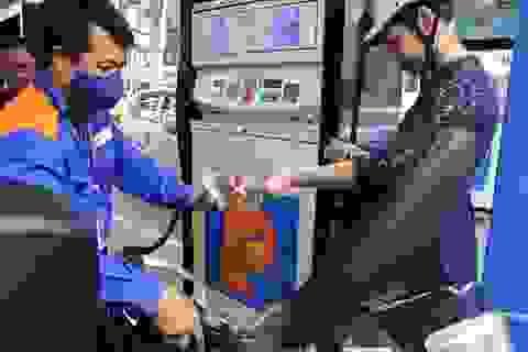 Giá xăng dầu đồng loạt tăng mạnh từ 18h00 chiều nay