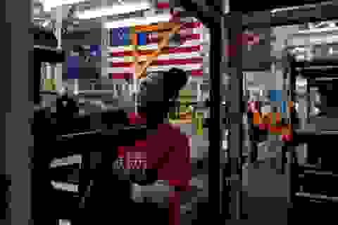 Sản xuất của Mỹ tồi tệ nhất trong 10 năm, Tổng thống Trump đổ lỗi cho FED