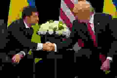 """Tổng thống Ukraine lên tiếng """"thanh minh"""" giúp ông Trump"""