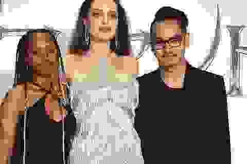Angelina Jolie gặp lại Maddox ở Nhật Bản