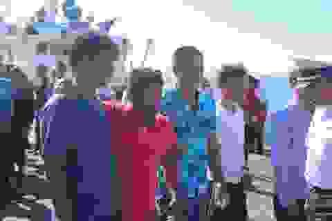 Khen thưởng tàu cá Quảng Ngãi cứu 41 ngư dân Quảng Nam