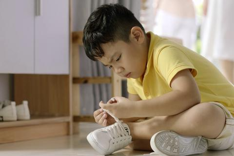 Loạn thị trường kính thuốc cho trẻ: Đừng mất bò mới lo làm chuồng