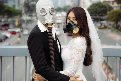 Bộ ảnh đeo mặt nạ cảnh báo ô nhiễm không khí gây ám ảnh dân mạng