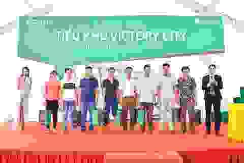 Điều gì khiến Tiểu khu Victory City hết bảng hàng ngay ngày đầu tiên?