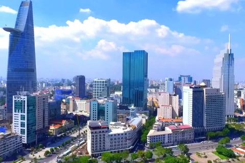 """Năng lực cạnh tranh Việt Nam tăng 10 bậc, vẫn """"thua"""" Malaysia, Thái, Indonesia"""