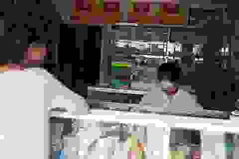 Bắt quả tang nhà thuốc bán thuốc không rõ nguồn gốc, hết hạn sử dụng cho người bệnh
