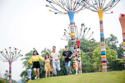 """Thăm """"Không gian Nghệ thuật bên hồ lớn nhất Việt Nam"""" tại Đại Lải"""