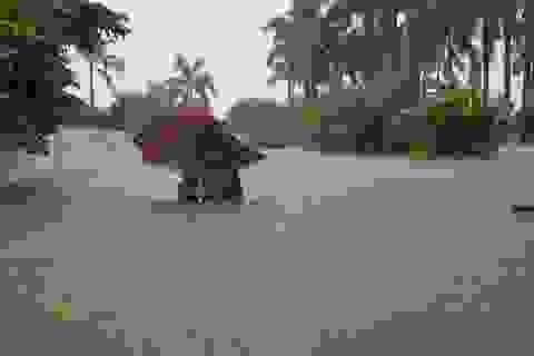 """""""40 năm qua chưa từng chứng kiến trận ngập lụt kinh hoàng như thế"""""""