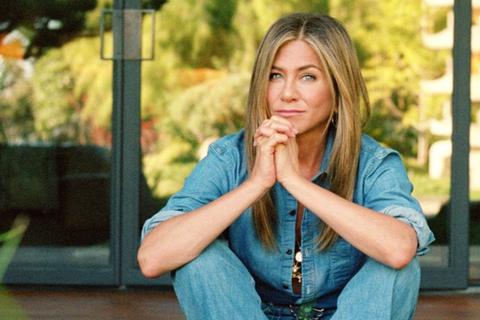 """""""Vợ cũ Brad Pitt"""" nuối tiếc thời khán giả """"cứ tới giờ là ngồi trước tivi"""""""