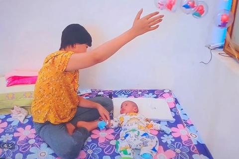 Hạnh phúc giản đơn của người mẹ ung thư vú giai đoạn cuối bên gia đình