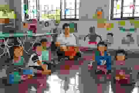 Sợ trò thất học, 8 cô giáo trẻ tình nguyện đứng lớp không lương