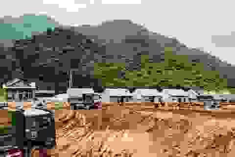 Đại công trường xây dựng trên đỉnh đồi Pom Ngồ
