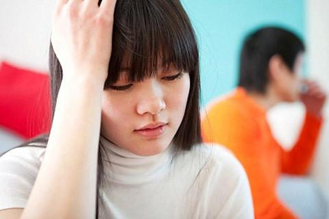 Đòi quà 20/10, vợ bị chồng mắng: Lấy nhau rồi cứ phải diễn mệt lắm!
