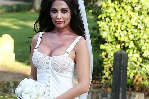 Yazmin Oukhellou hóa trang thành cô dâu bốc lửa