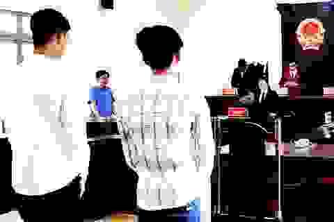 Hai học sinh cướp giật được hưởng án treo để đi học