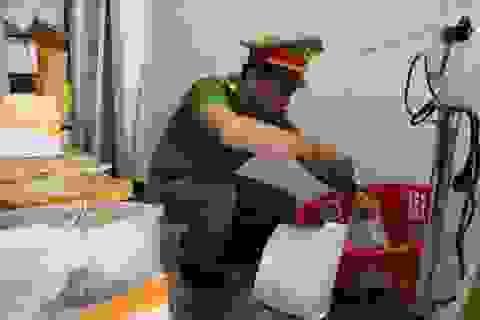 Đà Nẵng: Phát hiện cơ sở kinh doanh hải sản bán tôm hùm bơm tạp chất