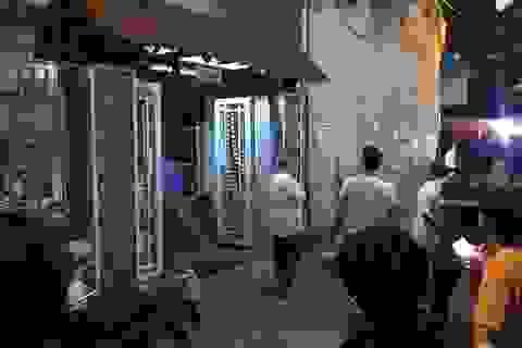 Thau rửa bể ngầm sau vụ ô nhiễm nước sạch sông Đà, một người tử vong