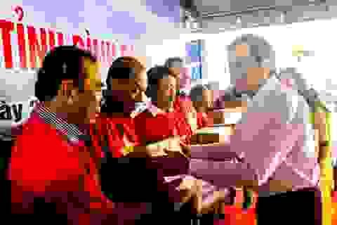 """Nguyên Chủ tịch nước Trương Tấn Sang kêu gọi chi viện giúp ngư dân Bình Định gỡ """"thẻ vàng"""""""