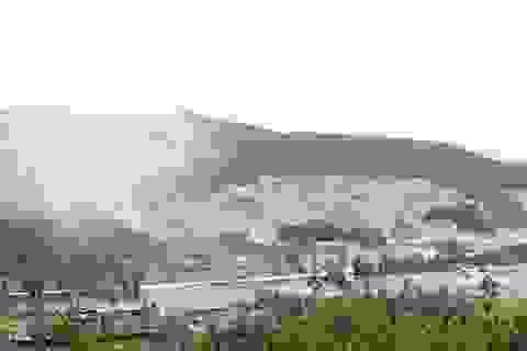 """Núi Hồng chi chít """"vết sẹo"""": Doanh nghiệp vô tư xẻ núi dù có nhiều sai phạm"""