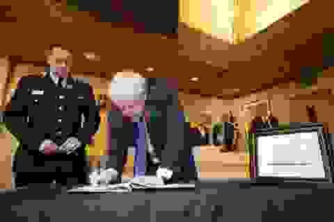 Thủ tướng Anh chia buồn với gia đình 39 nạn nhân thiệt mạng trong xe tải