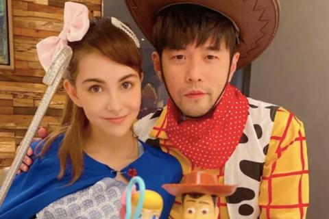 """""""Ông chồng quốc dân"""" Châu Kiệt Luân hoá trang ấn tượng cùng vợ trẻ"""