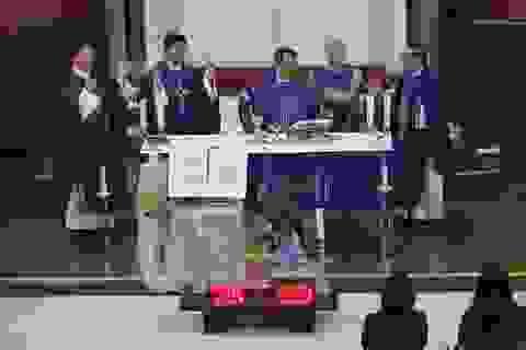 Cộng đồng người Việt tại Anh làm lễ cầu nguyện cho 39 người chết