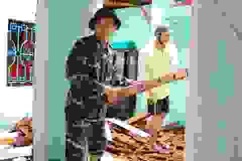Phú Yên: Bộ đội giúp dân sửa chữa nhà cửa…ổn định cuộc sống sau bão số 5