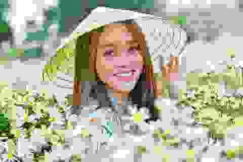 Nữ sinh 2K khoe sắc trên cánh đồng cúc họa mi Hà Nội