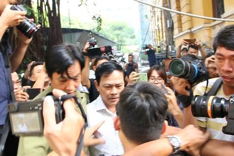 Bị cáo Nguyễn Hữu Linh kêu oan bất thành