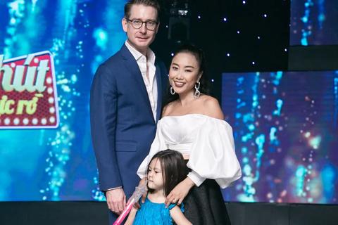 """Đoan Trang: """"Sự khác biệt văn hoá đôi khi khiến vợ chồng tôi cãi nhau"""""""