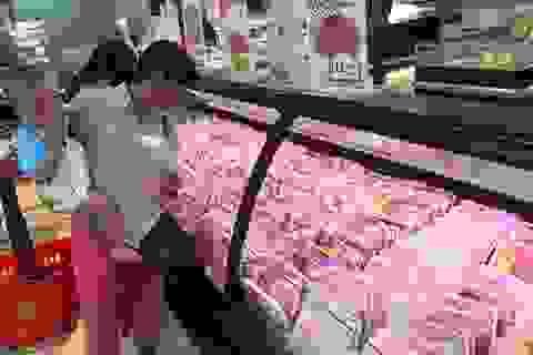 """TPHCM: Giá thịt heo """"leo thang"""", người tiêu dùng…""""bấm bụng"""" mua ít lại"""