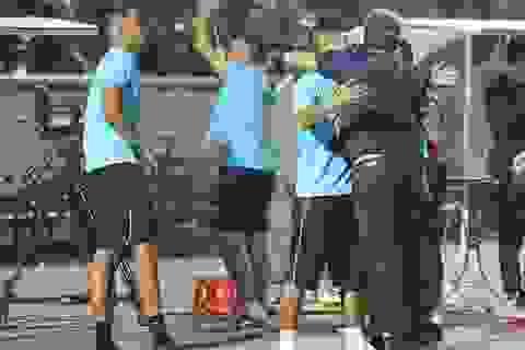 Khoảnh khắc cầu thủ và cổ động viên nín thở nhìn U19 Việt Nam giành vé dự giải châu Á