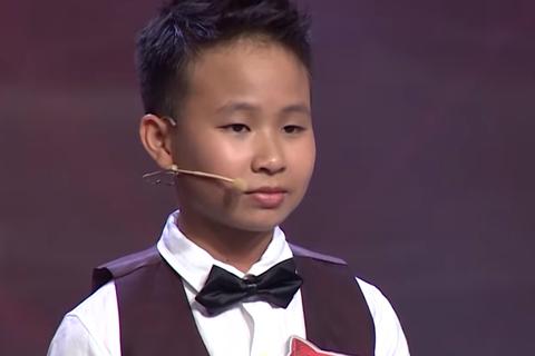 Ngỡ ngàng cậu bé 12 tuổi tính nhẩm khai căn số 63 chữ số chỉ trong... 11 giây