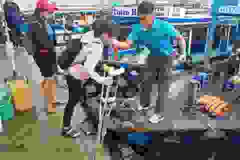 """Phòng GD-ĐT TP Nha Trang thăm hỏi """"cô giáo chống nạng vẫn vượt biển đi dạy học"""""""